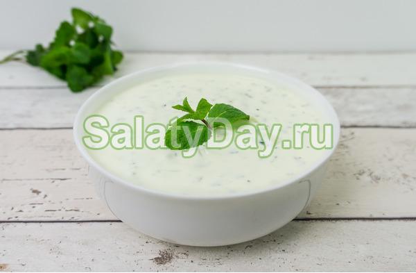 Соус за 10 минут для десертов и овощных салатов