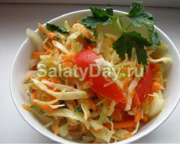 Салат к шашлыку с капустой и помидорами