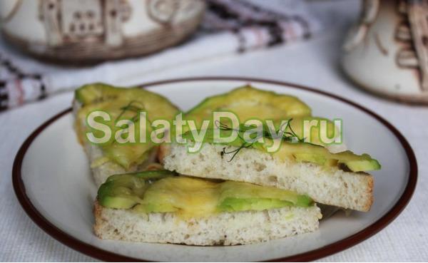 Бутерброды с сыром и авокадо