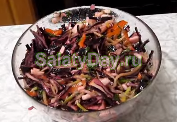 Салат из красной капусты с болгарским перцем
