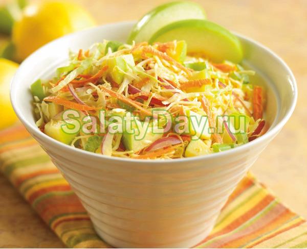 Салат из белой редьки с морковью, капустой и броколли