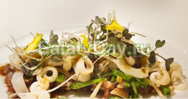 Салат с кальмарами и кукурузой – овощной
