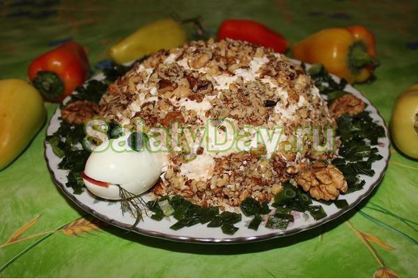 Рецепт салат Черепаха с курицей грецкими орехами и яблоками